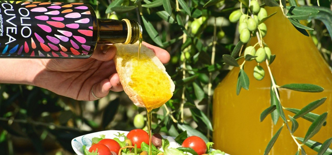 Taggiasca Öl auf Brot - Cuvea